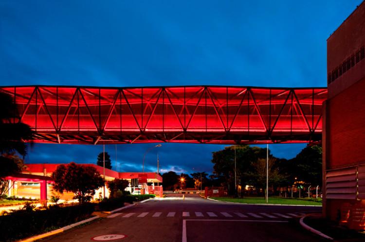 """Exposição """"NOVE NOVOS – NEUN NEUE. Emerging Architects from Brazil"""", Museu da Nestlé. Metro Arquitetos Associados . Image ©  Leonardo Finotti"""