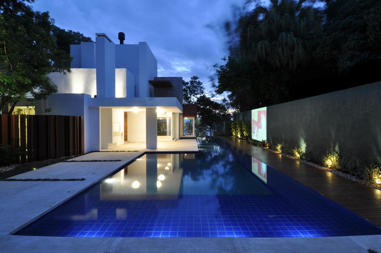Casa en el Lago / Stemmer Rodrigues