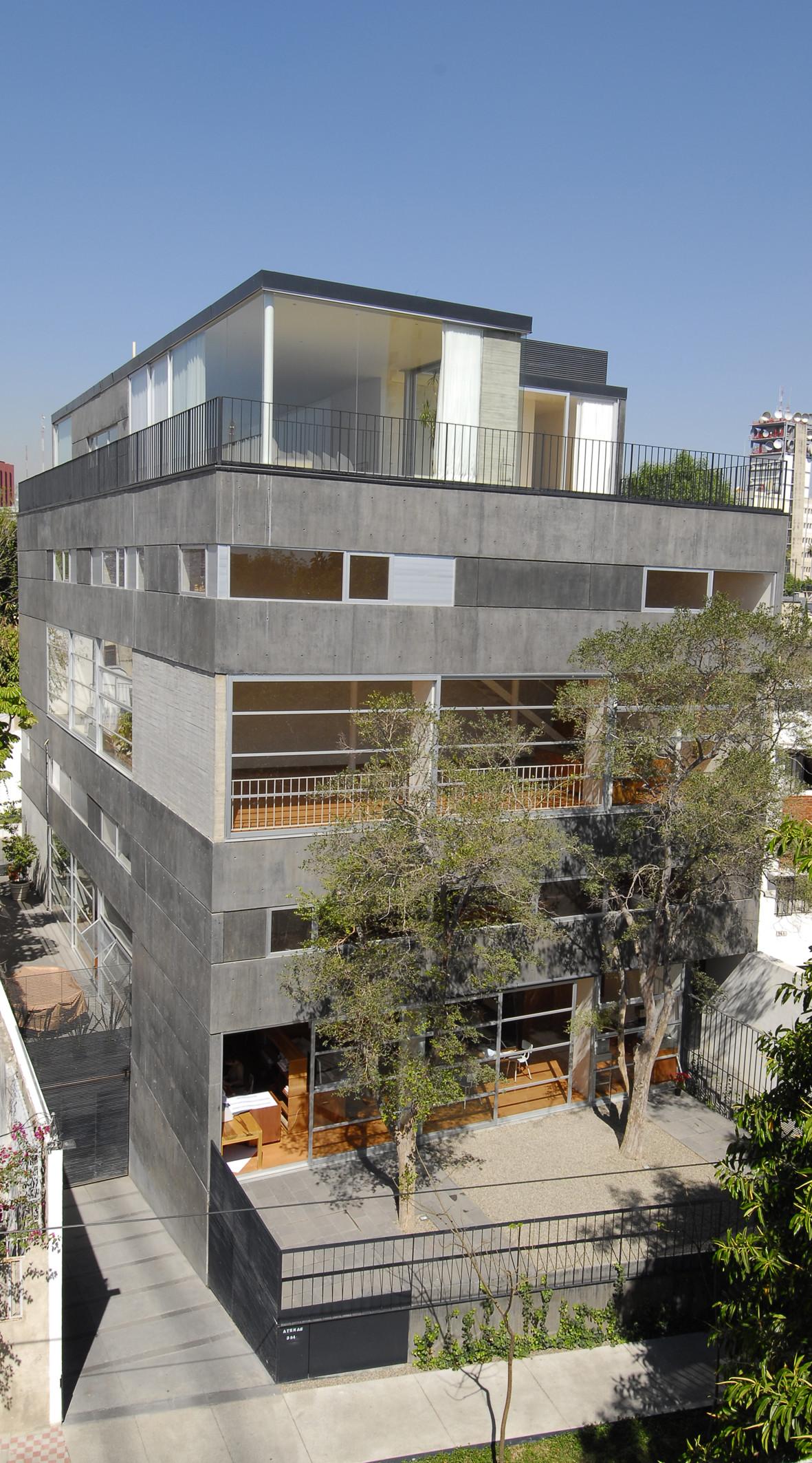 Atenas 354 / Luis Aldrete