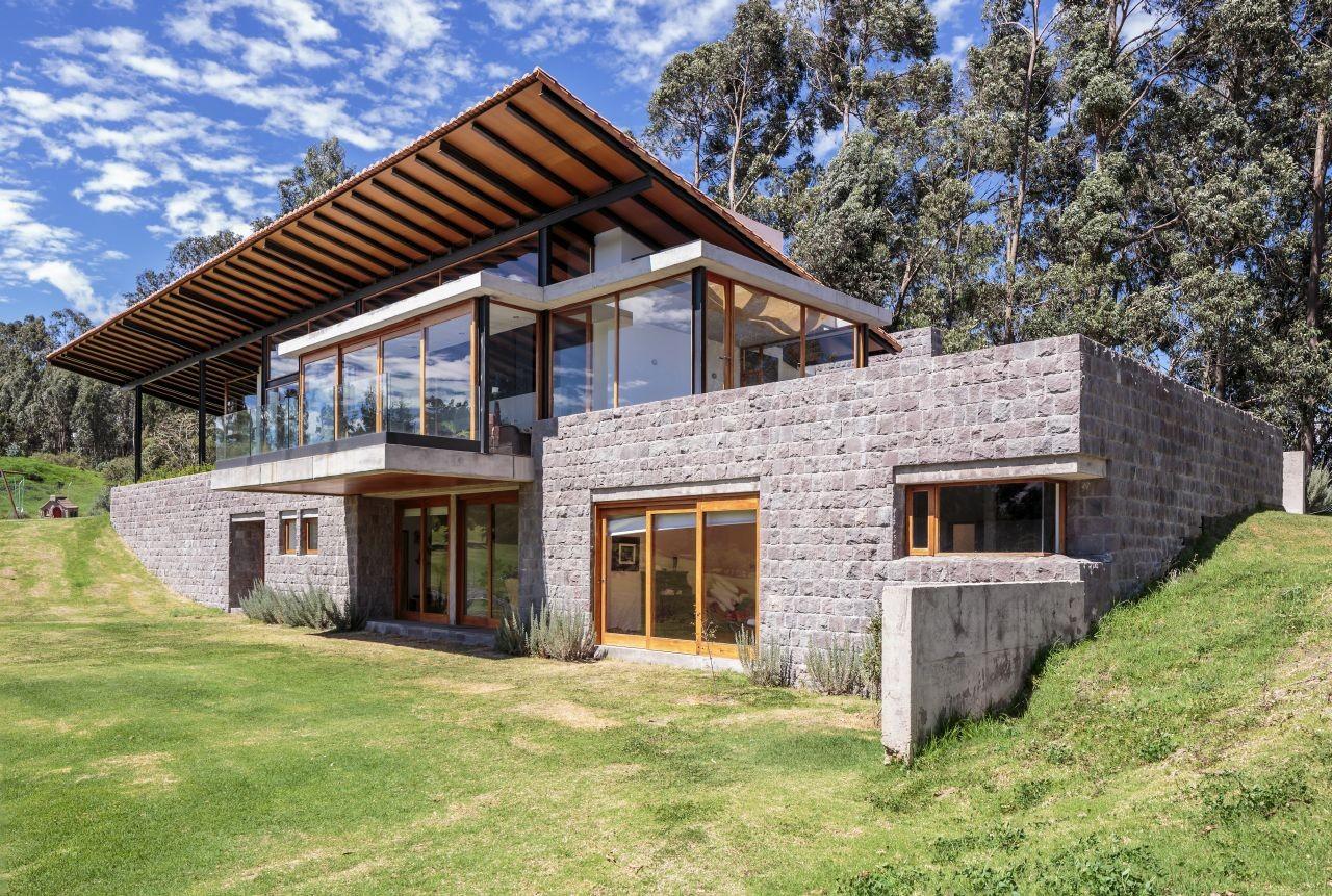 Los chillos house diez muller arquitectos archdaily for Casa de arquitectos
