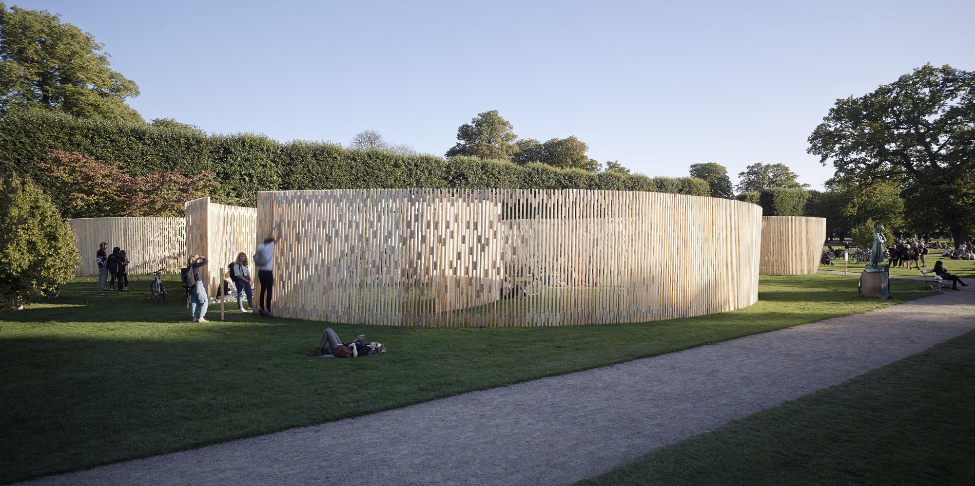 Beau Trylletromler / Fabric Architecture