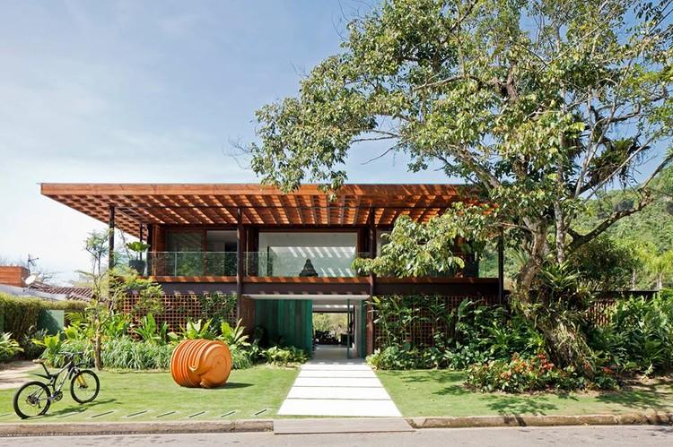 Nova Arquitetura Carioca VI, no Studio-X Rio, Casa MTL. Image via Bernardes Arquitetura