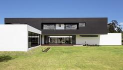 Casa Puente / Diez + Muller Arquitectos