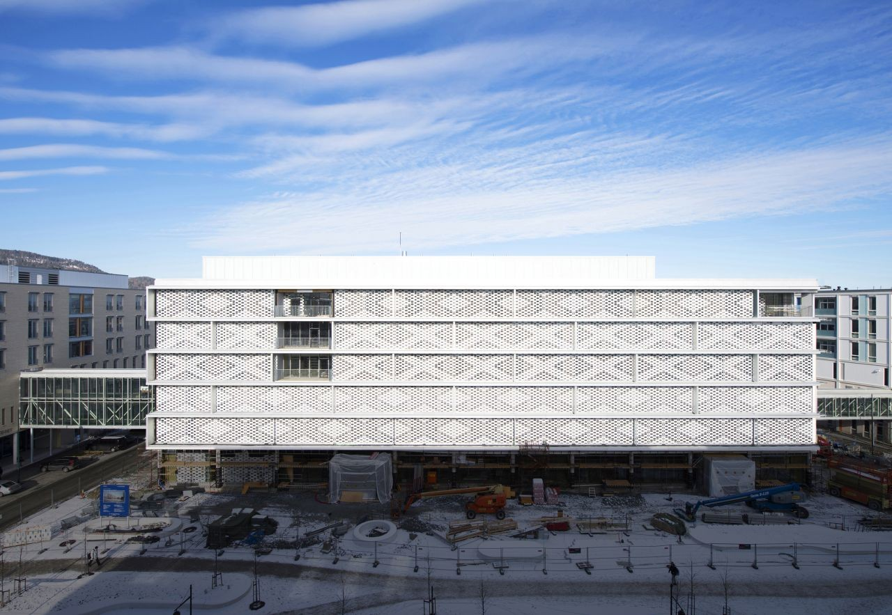 Knowledge Center at St Olavs Hospital / Ratio Arkitekter AS and Nordic Office of Architecture, © Espen Grønli