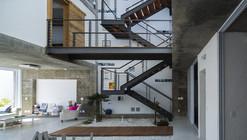 Residencia M&M / Bonina Arquitetura