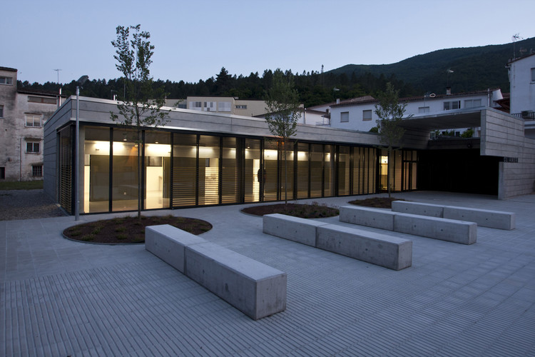 Healthcare Centre in Amer / PMMT, © Alex Martínez