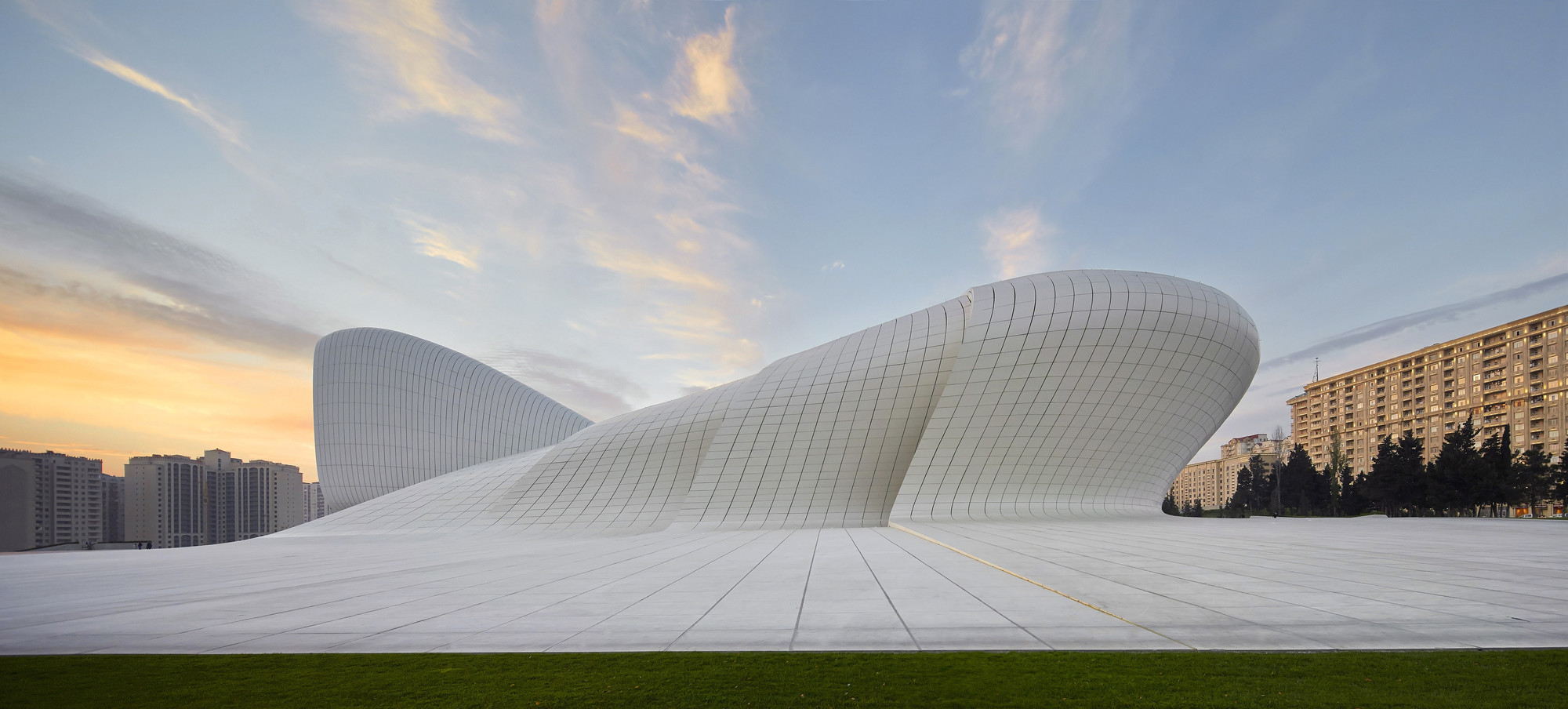 Gallery of heydar aliyev center zaha hadid architects 15 - Dekonstruktivismus architektur ...