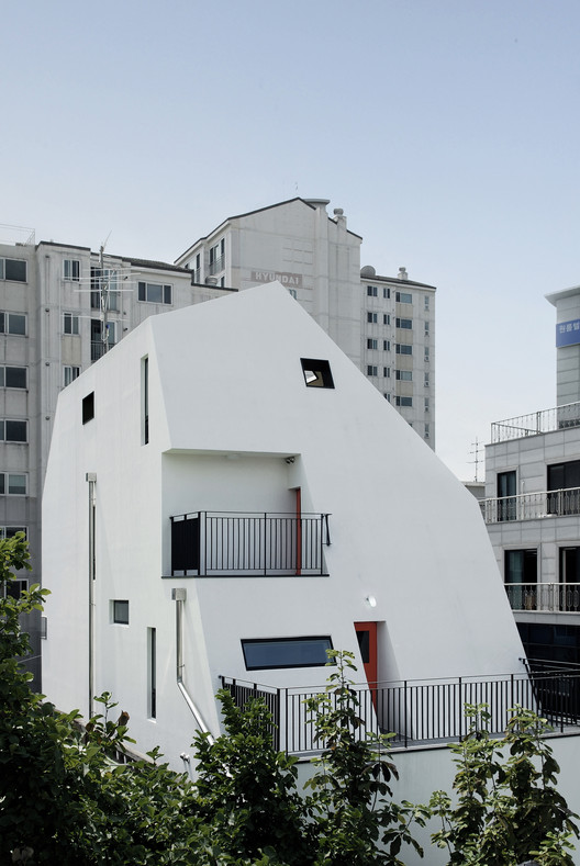 White house / designband YOAP architects | ArchDaily