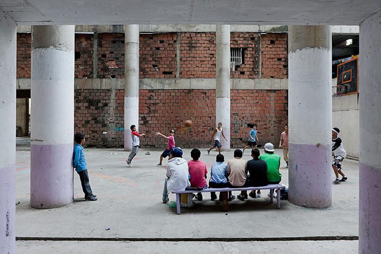 Iwan Baan: habitações engenhosas em locais inesperados