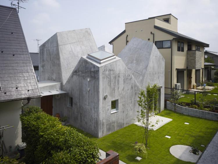 House In Kohoku / Torafu. Image © Daici Ano Amazing Pictures