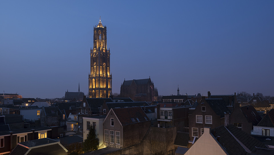 "Una luz viviente en el centro de Utrecht: ""In Lumine Tuo"" por Speirs + Major, © James Newton"