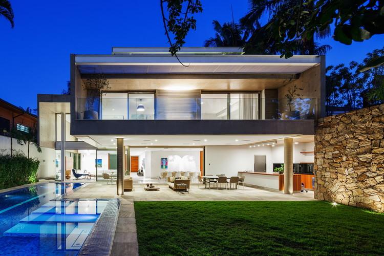 Residência MG / Reinach Mendonça Arquitetos Associados, ©  Nelson Kon