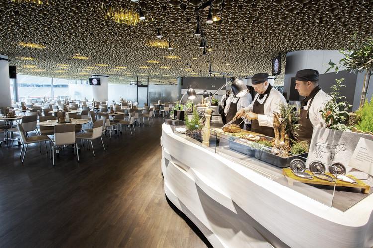 Clube de Negócios na Allianz Arena / CBA Clemens Bachmann Architekten, © Bernd Ducke