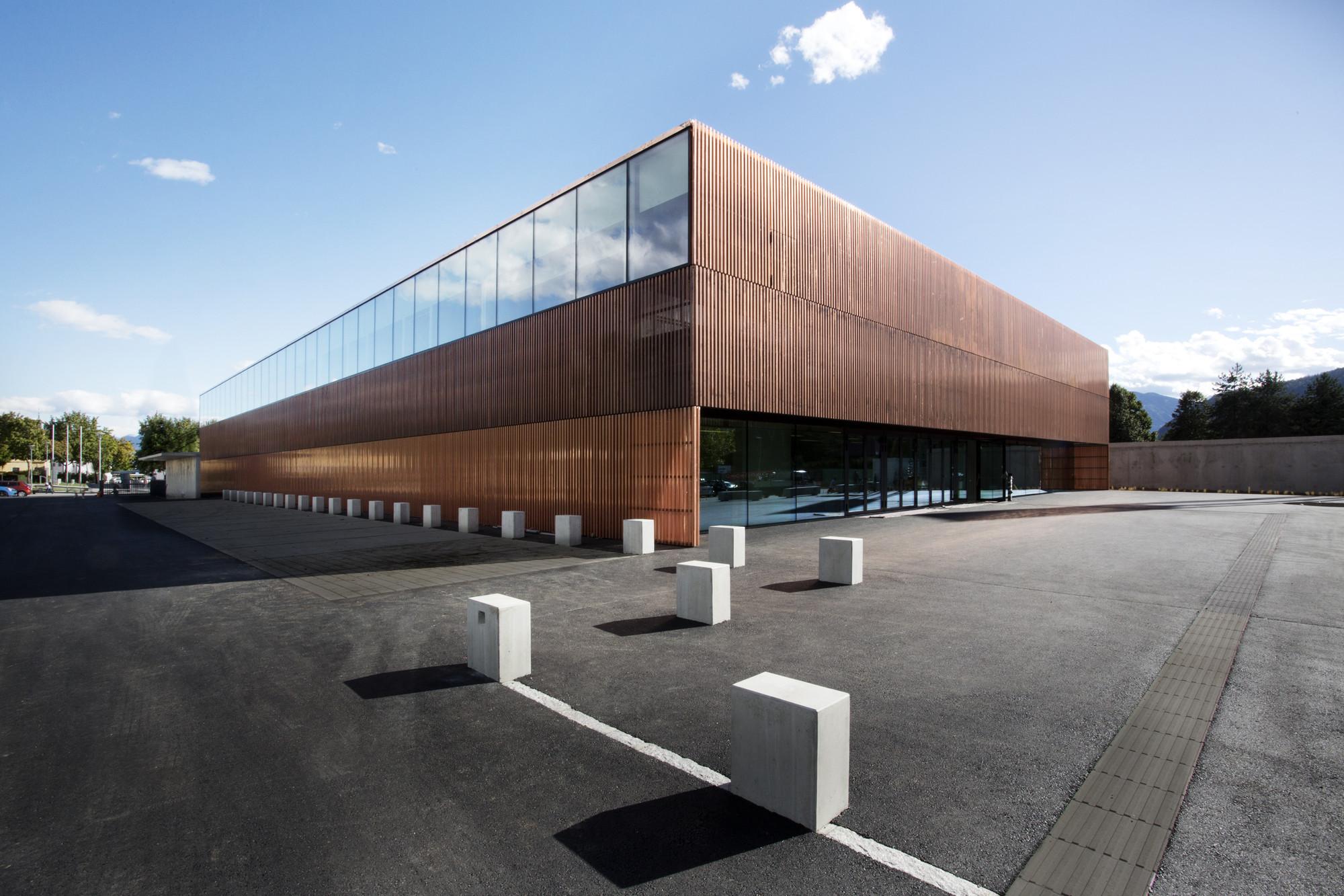 Sports Hall St. Martin / Dietger Wissounig Architekten, © Jasmin Schuller