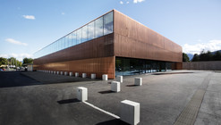 Gimnasio St. Martin / Dietger Wissounig Architekten