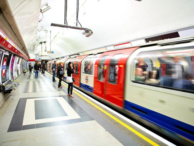 Londres aquecerá suas residências com o calor gerado pelo metrô, via Shutterstock
