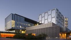 Centro Mike & Ophelia Lazaridis Quantum-Nano / KPMB Architects
