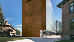 Anne-Marie Edward Science Building at John Abbott College / Saucier + Perrotte architectes