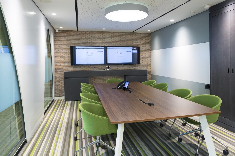 google office hq. Google Madrid HQ,© Daniel Malhão Office Hq