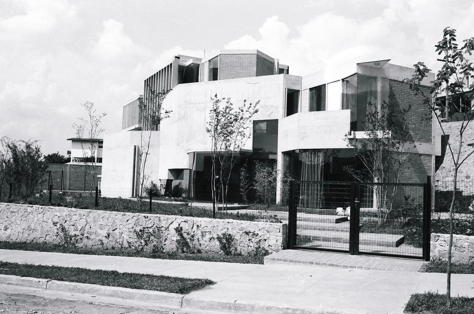 Clássicos da Arquitetura: Residência Waldo Perseu Pereira / Joaquim Guedes