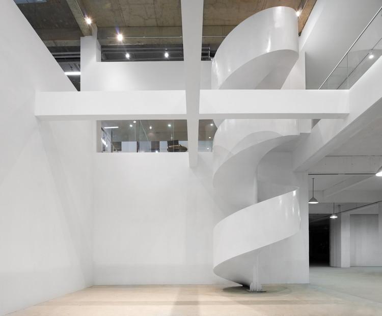 Conversão de Fábrica Daxing / Nie Yong + Yoshimasa Tsutsumi, © Misae Hiromatsu