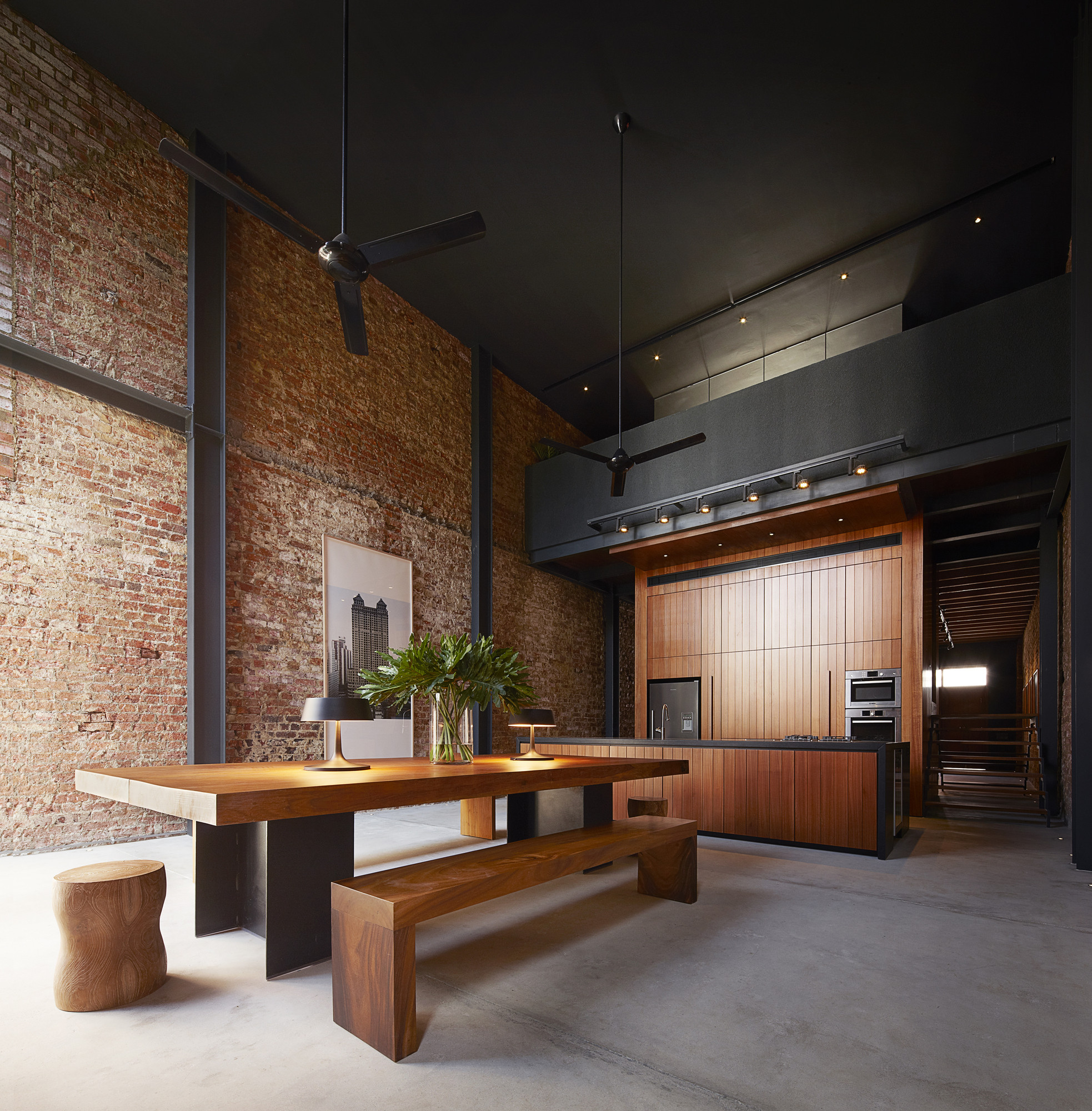 Feast Your Eyes On These Stunning Kitchens, Lucky Shophouse / CHANG Architects © Invy & Eric Ng