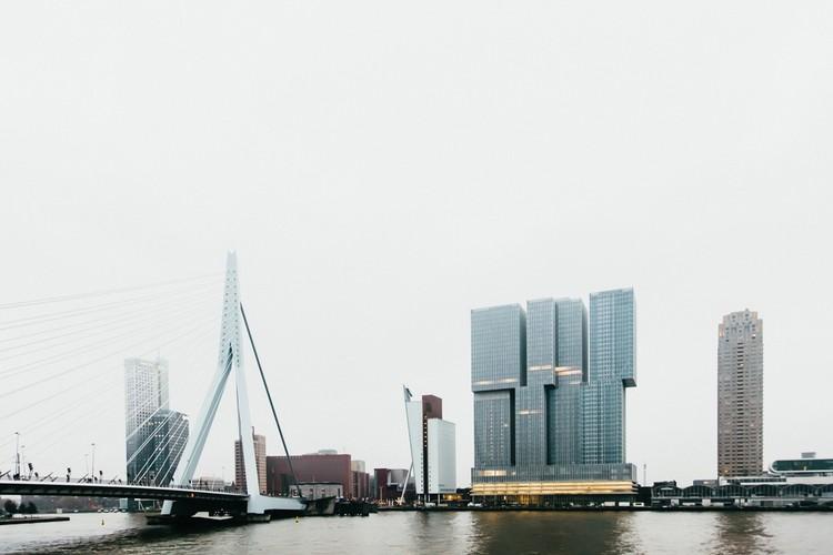 Koolhaas sobre Lugar, Escala e (De) Rotterdam, © Richard John Seymour