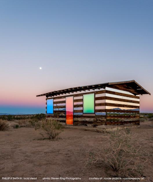 Arte e Arquitetura: Lucid Stead: quando a luz e o reflexo são mais que uma casa - Phillip K Smith III, © Steven King