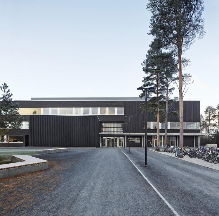 Escuela Secundaria Nord-Østerdal / Longva arkitekter , © Ivan Brodey