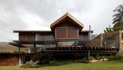 Casa en la Montaña / Architectare