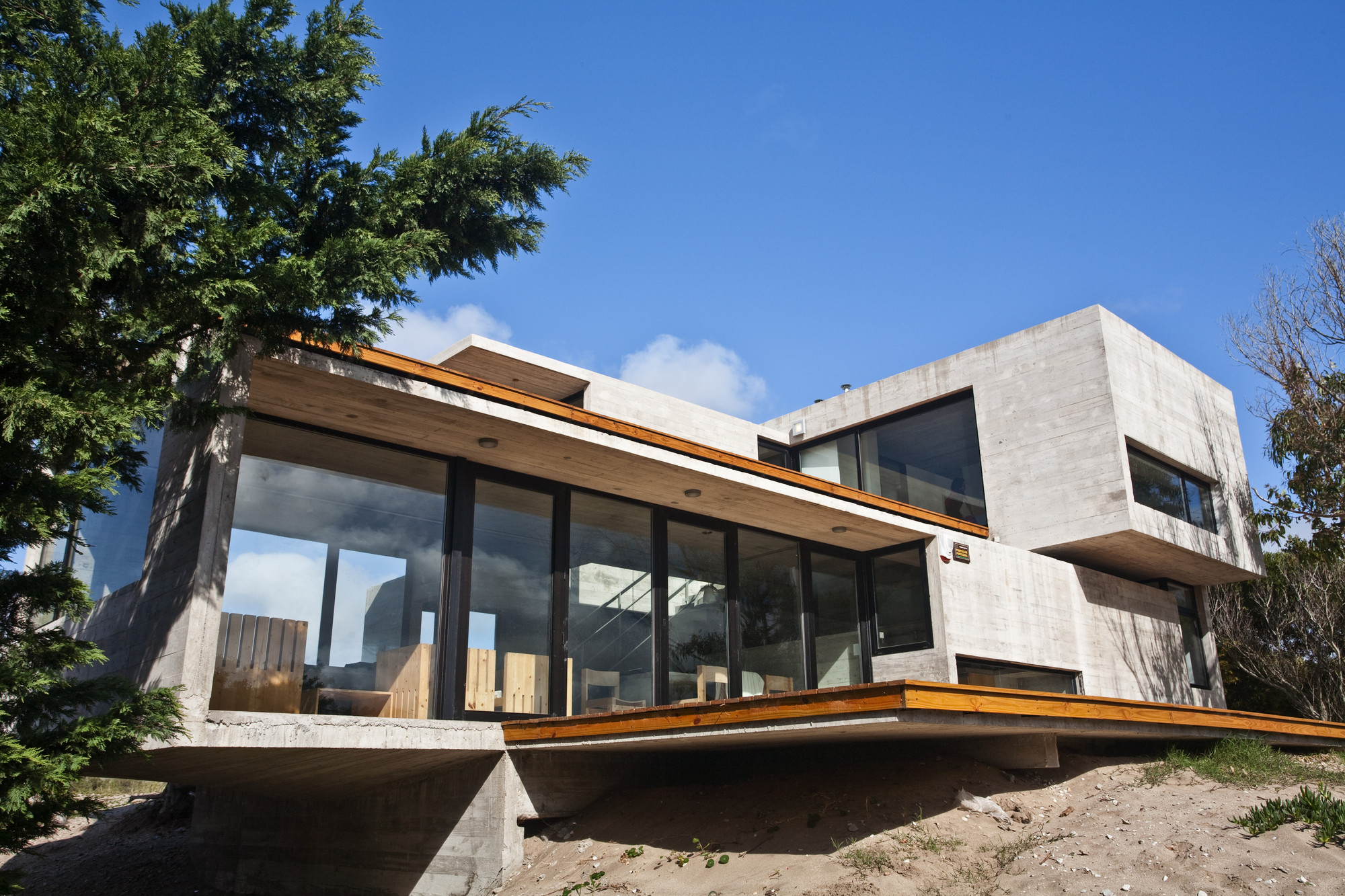 Gallery of House On The Beach / BAK Architects - 2