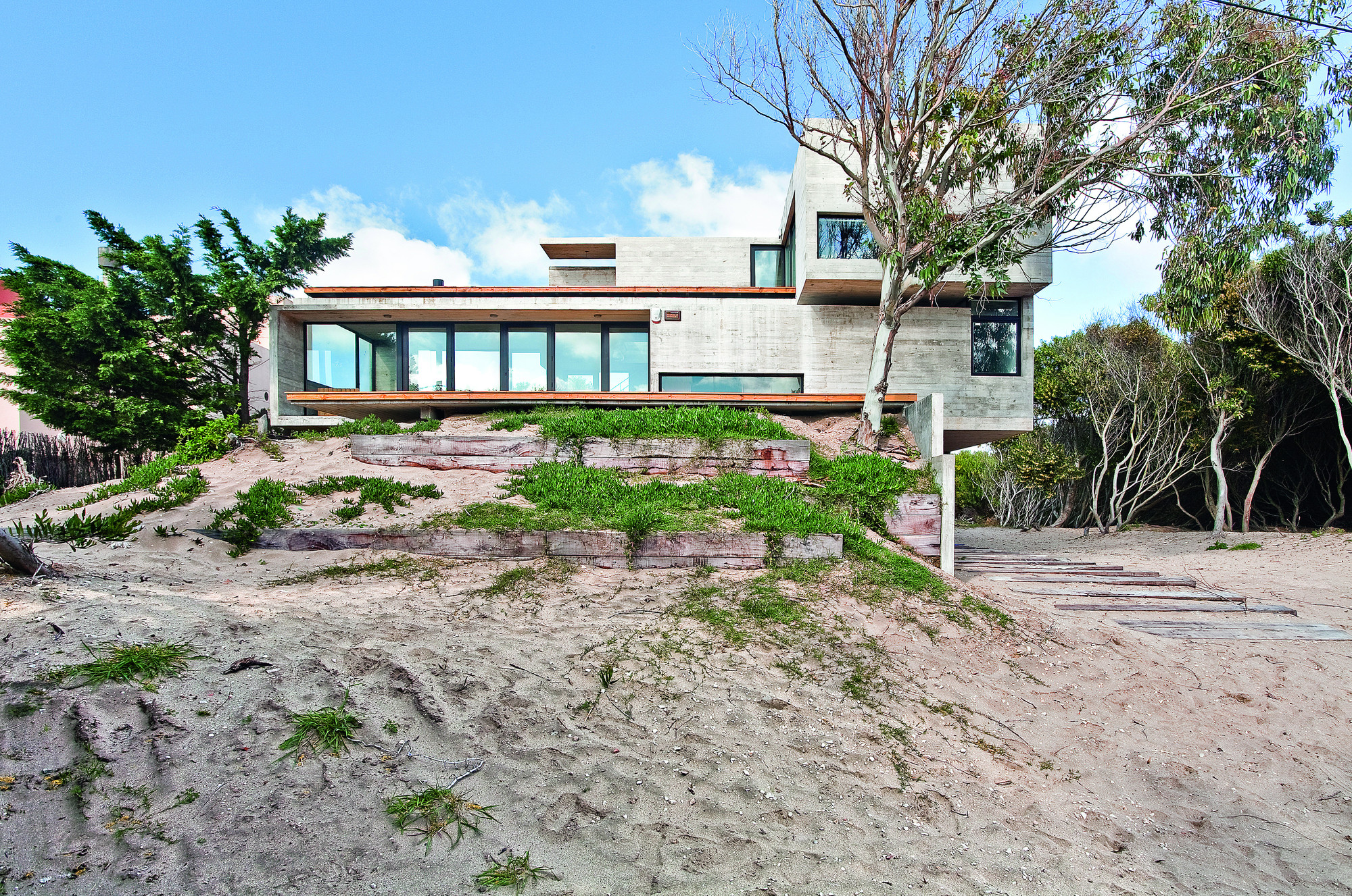 House On The Beach Bak Architects