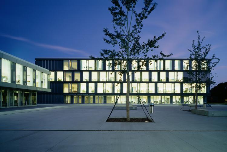 Ciclo d'orientation de Cayla  / LRS Architectes, © Thomas Jantscher