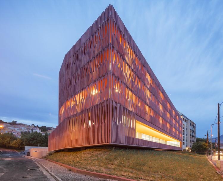 Anunciado o resultado do AR+D Awards para Arquitetura de Emergência 2013, Altamente elogiado: Acomodações para Oceanological Observatory por Banyuls-sur-Mer de Atelier Fernandez & Serres. Imagem Cortesia de The Architectural Review