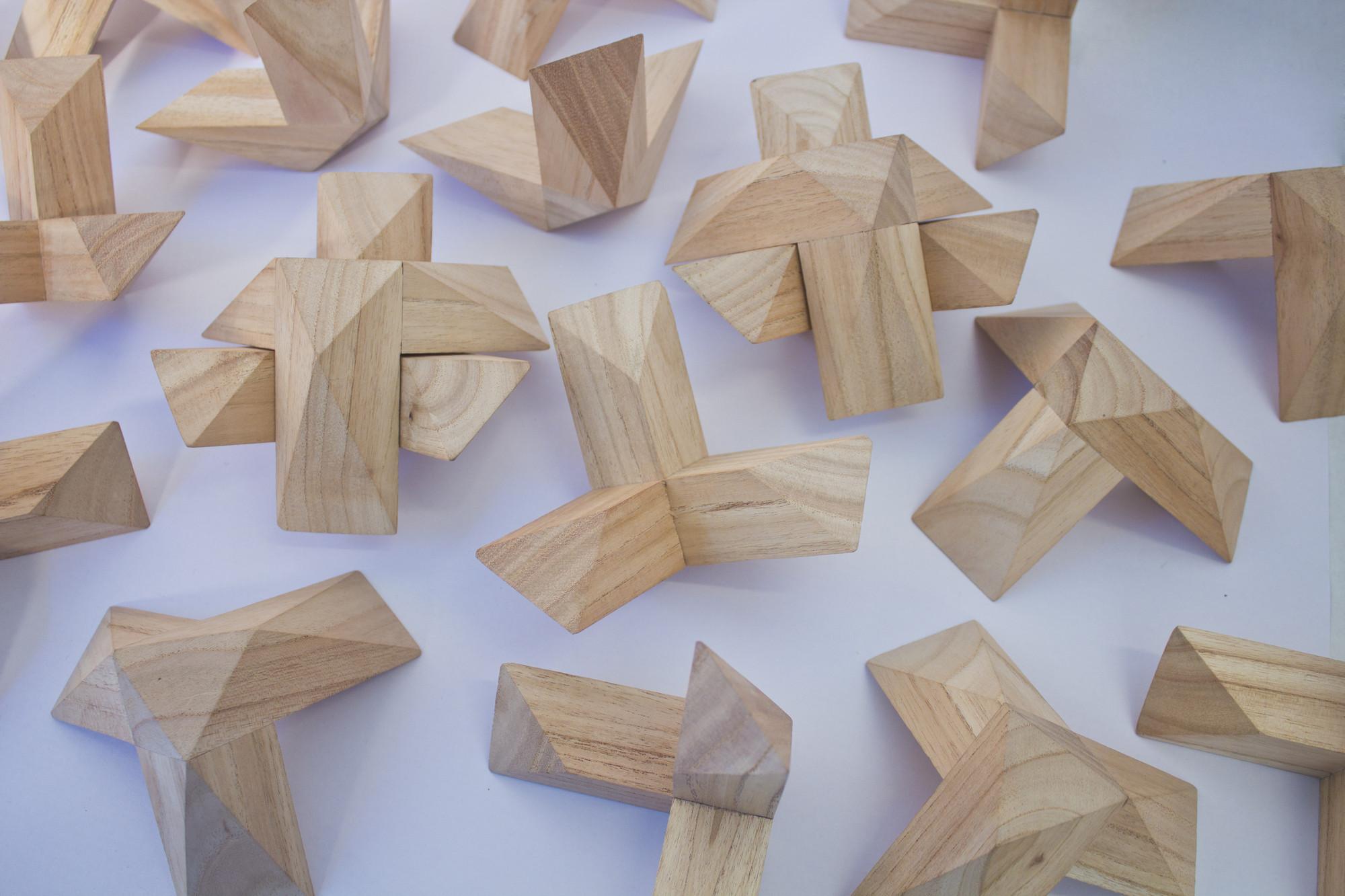 Sobremesa, una muestra de diseño trasandino (Argentino-Chileno), Gonzalo Arbutti. Triada 2. Image Courtesy of Estudio Normal™