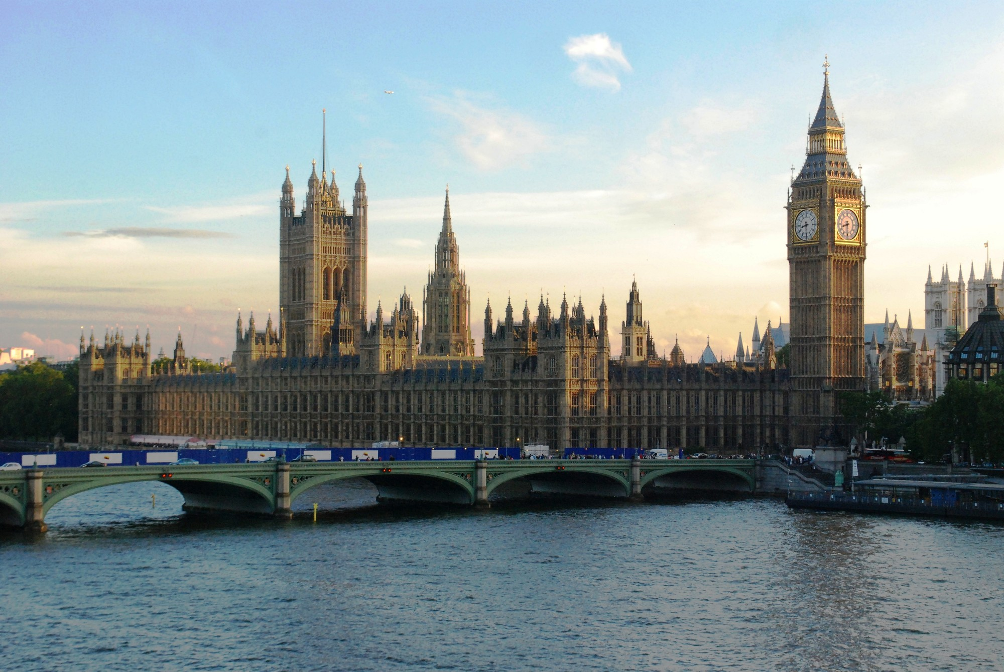 HOK Selected to Refurbish Palace of Westminster , Palace of Westminster via Wikipedia