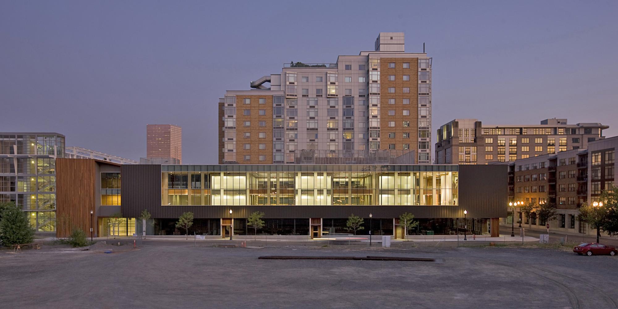 Sede Mundial Ziba Design / Holst Architecture