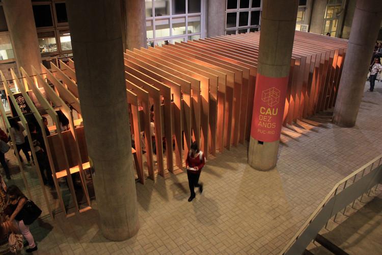 Anunciados os vencedores da 51ª Premiação Anual do IAB-RJ e do Prêmio Arquiteto do Amanhã, Pavilhão 1.0 - Luciano Alves, Adriano Mendonça e Nathalia Mussi. Image Cortesia de IAB - RJ