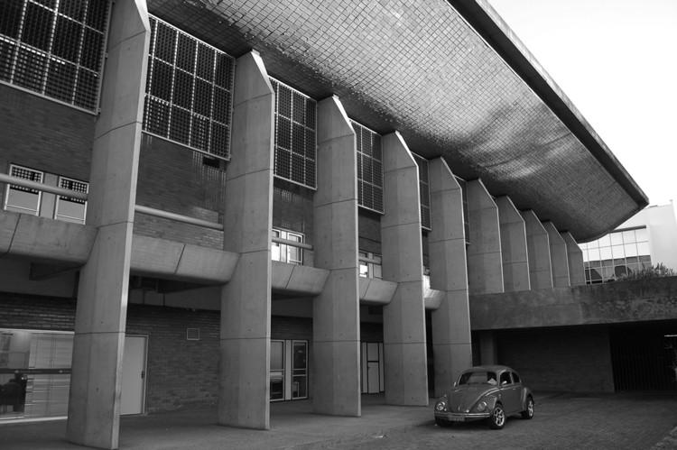Clássicos da Arquitetura: Assembléia Legislativa do Piauí / Acácio Gil Borsoi, Cortesia de Ana Negreiros