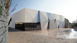 Sports Hall and Public Square in Krk / Turato Architects