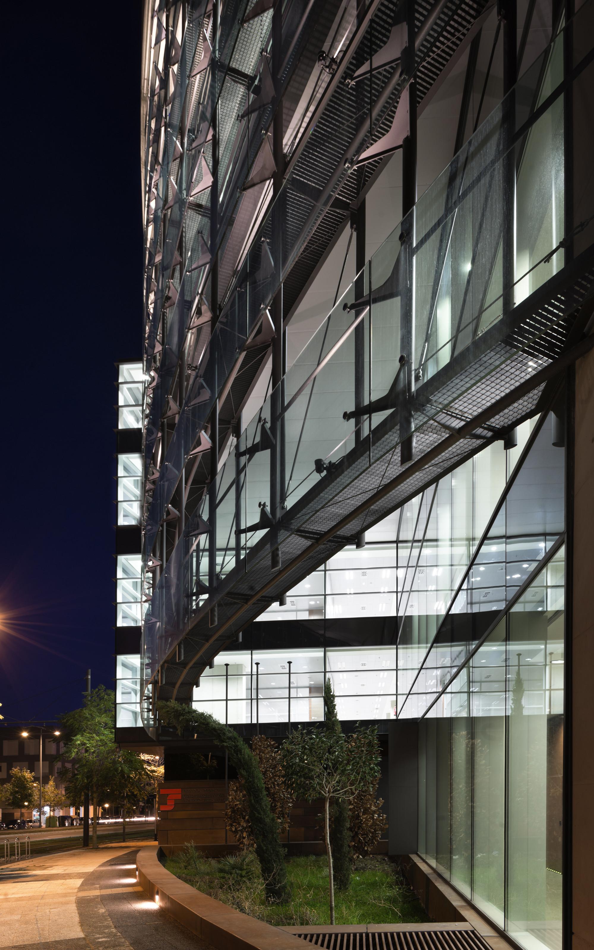 Galer a de edificio de oficinas en vitoria lh14 - Arquitectos vitoria ...