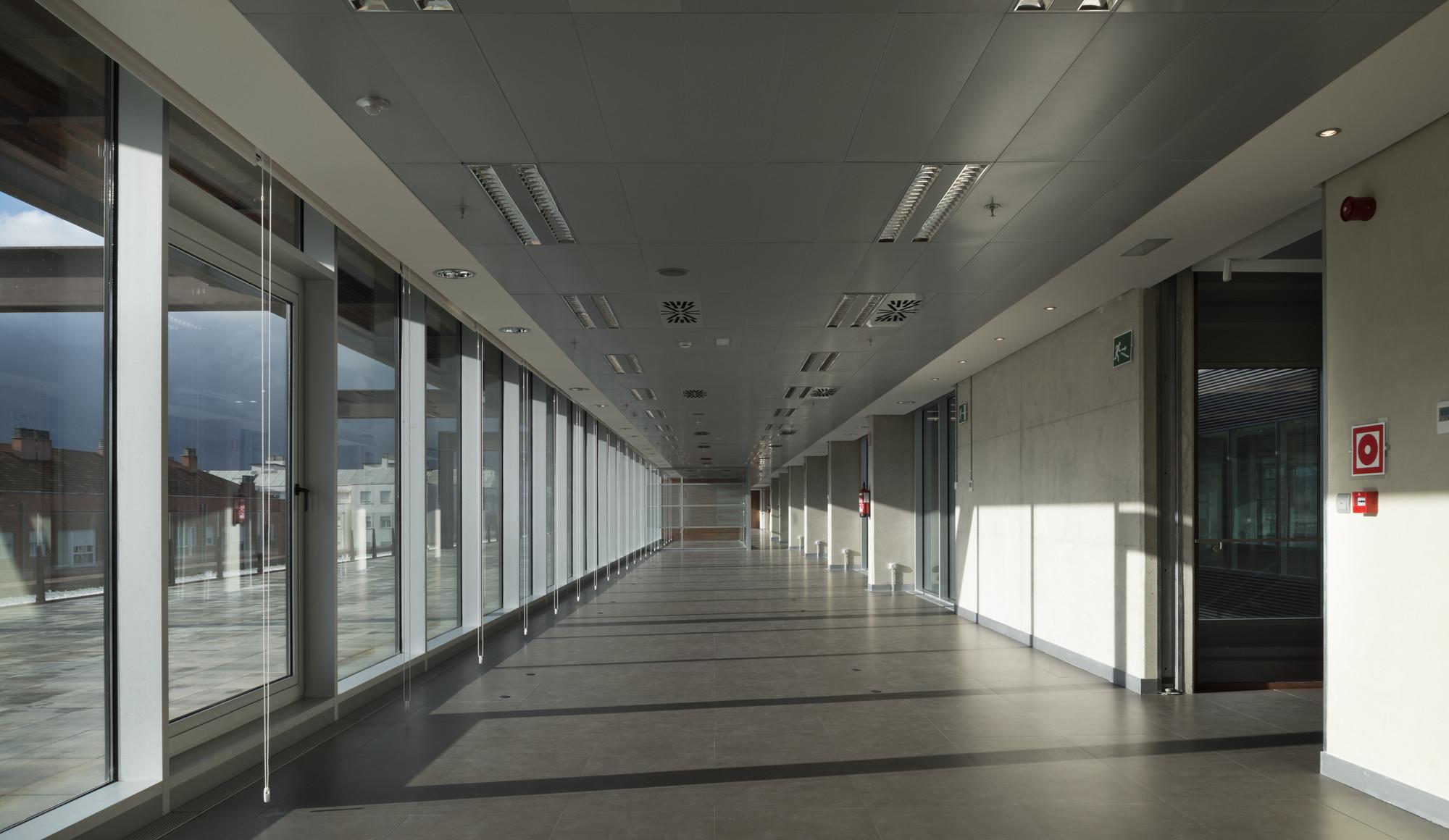 Galer a de edificio de oficinas en vitoria lh14 arquitectos 10 - Arquitectos en vitoria ...