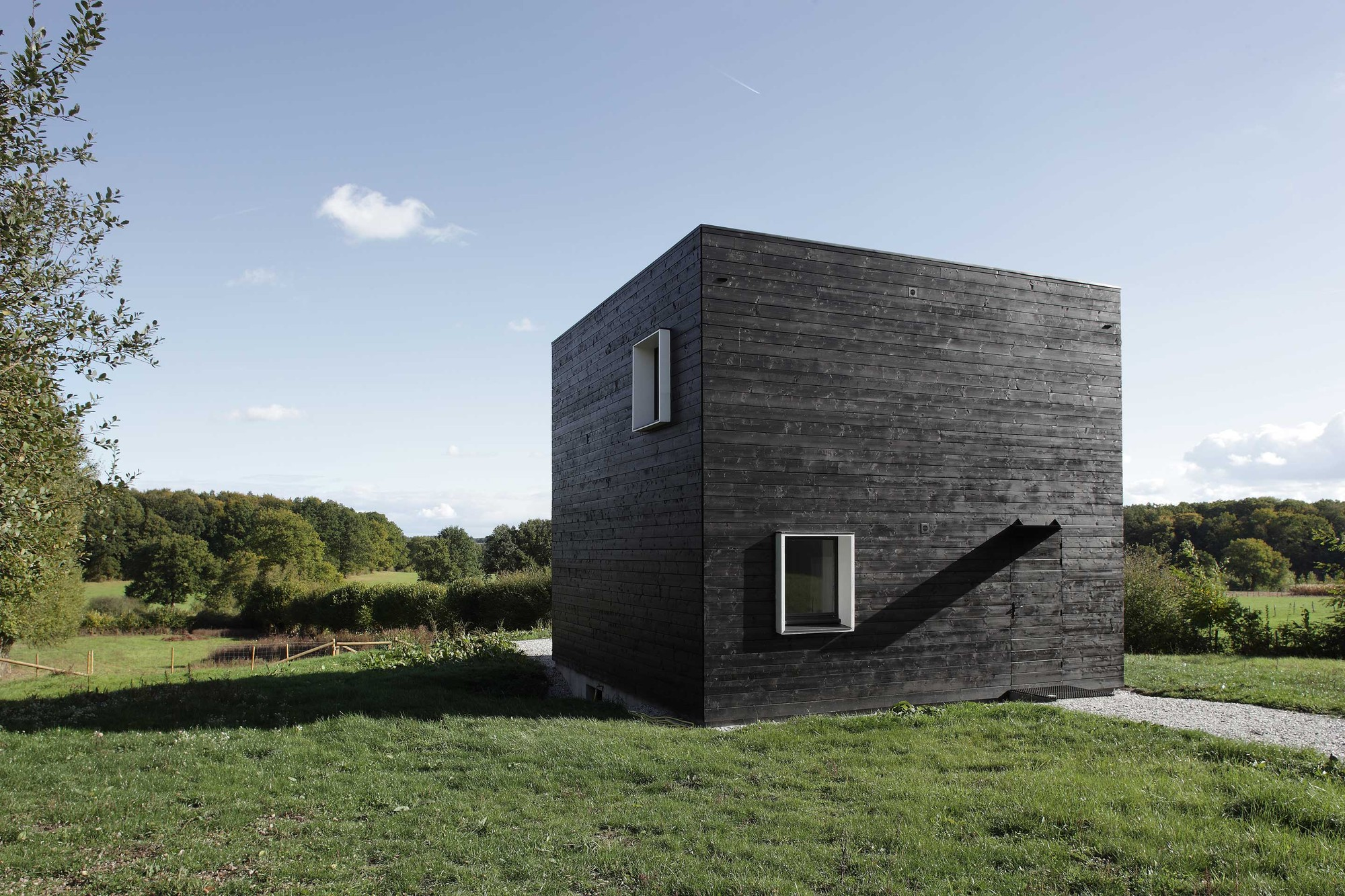 House in normandy beckmann n thepe architectes archdaily for Maison design cube