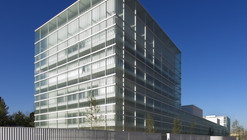 Integrated Social Services Center / Vicens + Ramos