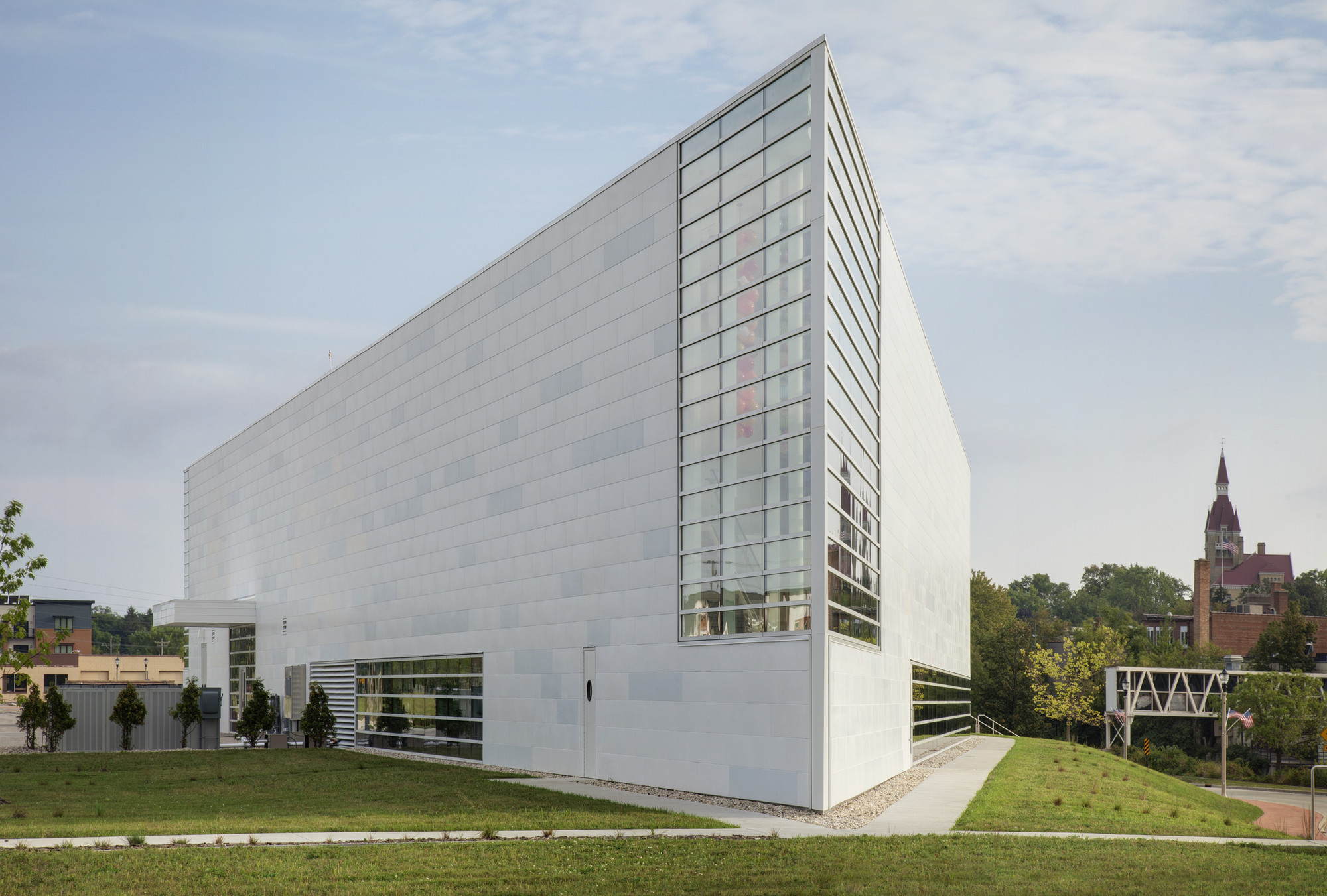 MUSEUM OF WISCONSIN ART (MOWA) / HGA Architects and Engineers, © Darris Lee Harris