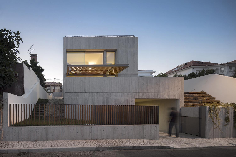 House in Caxias / Antonio Costa Lima + L Arquitectos, © Fernando Guerra | FG+SG