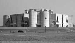 Clássicos da Arquitetura: Assembléia Nacional de Bangladesh / Louis Kahn