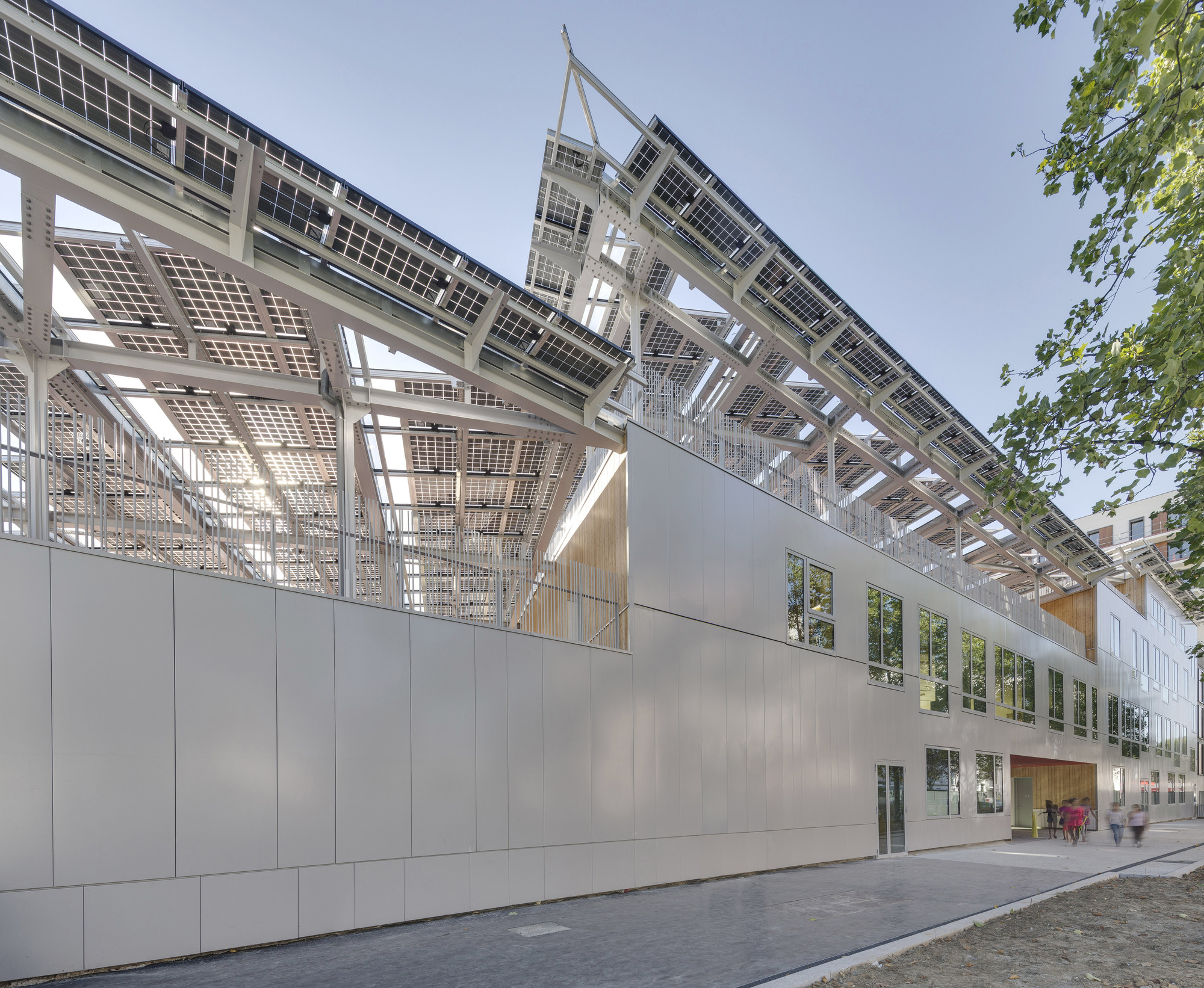 Zero Energy school / Mikou Design Studio, © Florian Kleinefenn