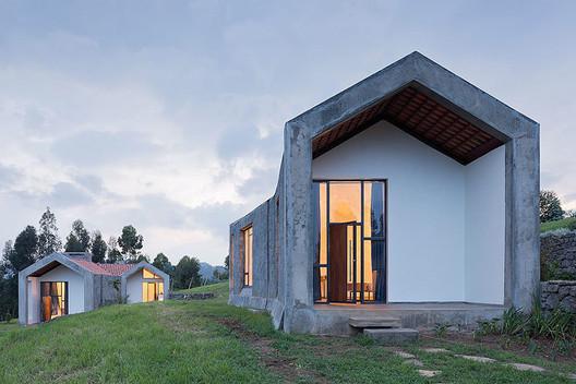 Butaro Doctor's Housing. Image © Iwan Baan