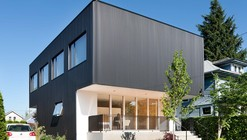Oakley House / Benjamin Waechter Architect